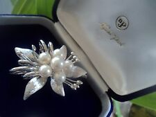 Attractive Japanese Silver & Pearl Brooch in box c.1970/80s -  Nagasaki Pearls