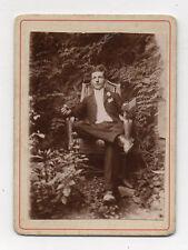PHOTO CDV Carte de visite Homme Assis Costume Lecture Vers 1900 Tirage d'époque