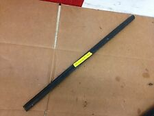 2005 ford escape outer window sill trim / felt sweep ( pass. rear ) 2001-2005