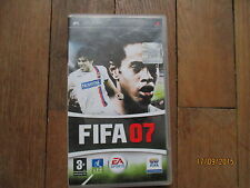 JEU VIDEO SONY PLAYSTATION PSP FIFA 07 + notice + boite football