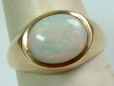 PRETTY 9CT YELLOW GOLD 1970'S SINGLE OPAL LADIES RING - SMALL RING SIZE L