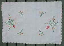 """VINTAGE LINEN EMBROIDERED TRAY CLOTH/ RUNNER APPROX.13 1/2""""x 18""""-  FREE UK POST"""