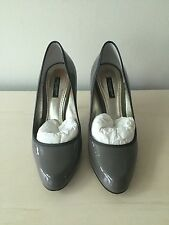 EUC Dolce & Gabbana Gray Patent Leather Pumps 39.5
