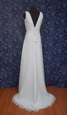 Moonlight T-912P White Chiffon V-neck Sleeveless Wedding Dress NWT