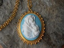 VIRGIN MARY AND BABY JESUS CAMEO GOLD TONE PENDANT NECKLACE - RELIGIOUS - BLUE