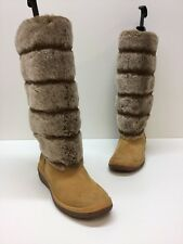 "Women's Timberland Bone Fur 14"" and Roll Top Boots Size 7"