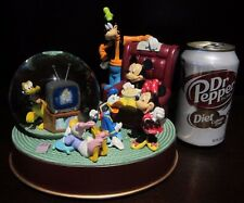 RARE Disney World Mickey Mouse Fab 5 Movie Night TV Time Snowglobe Music Box