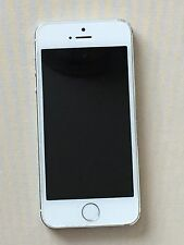Apple iPhone 5s - 16GB - Silver and White (Unlocked) Smartphone