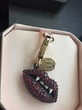 BRAND NEW JUICY COUTURE PAVE VAMPIRE LIPS GOLD BRACELET CHARM IN TAGGED BOX