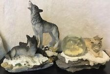 Wolves Rocky Terrain Statue + Wolves Snow Globe Statue Figurine