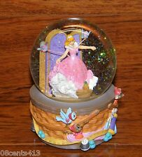 "Walt Disney's Cinderella Enesco ""Sing a Song of Sixpence"" Music Box Snowglobe"