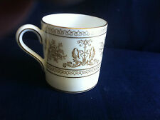 Wedgwood Gold Columbia small coffee can (v.minor rim gilt wear)