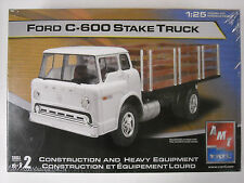 AMT/Ertl Factory Sealed Ford C-600 Stake Truck 1:25 scale model kit #38165