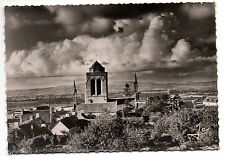 CPSM GF 29 - LOCRONAN (Finistère)  La Vieille Eglise et la Montagne du Menez Hom