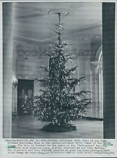 1962 Christmas Tree in North Foyer Kennedy White House DC Press Photo