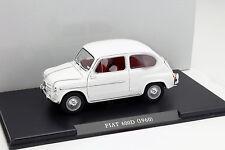 FIAT 600 D anno di costruzione 1960 BIANCO 1:24 LEO MODELS