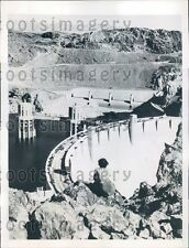 1946 Woman Watches Traffic Over Boulder Dam  Press Photo