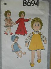 "Simplicity Craft Sewing Pattern--18"" STUFFED DOLL & CLOTHES-Vintage 1978-Uncut"