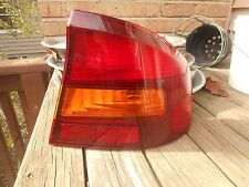 2000 - 04 SUBARU LEGACY OUTBACK SEDAN FACTORY RIGHT TAIL LIGHT LAMP USED