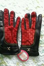 Faux leather and fabric thermal driving gloves.