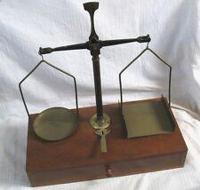 Beau Trébuchet POSTAL avec ses poids / Vers 1900