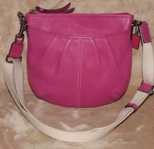 Fabulous Coach Ashley Magenta Pink Leather Pleated Swing pack Cross-body Purse