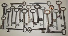 21 VINTAGE SKELETON KEYS ANTIQUE DOOR KEY MANY LOT OF OLD ANTIQUE KEYS LISTED