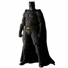 Medicom Toy MAFEX Batman vs Superman Dawn of Justice BATMAN Figure Japan version