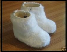 SIZE 10  Baby Gap Toddler Boots Color Off White Furry fashion Winter Faux Fur