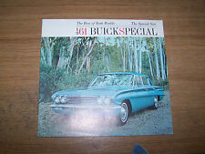 1961 BUICK SPECIAL NEW CAR BROCHURE NEAR MINT CONDITION