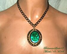 VINTAGE RAISED GREEN CZECH GLASS CAMEO BRASS SETTING BOOKCHAIN  NECKLACE