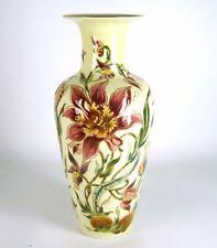 Zsolnay Porzellan Vase Handbemalt Blumendekor Handpainted Hungary ca. 26,7cm
