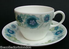 Vintage 1970's Wedgwood Clementine R4444 Smooth Tea Cups & Saucers Look in VGC