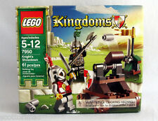 LEGO 7950  KINGDOMS KNIGHTS SHOWDOWN - 2 Knight mini figures – RETIRED – RARE!