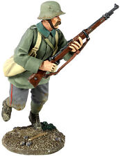 William Britain 23056 1916-18 German Infantry Running with Grenade Bags #1
