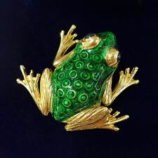 Fine 18ct Gold Frog Brooch in Green enamel and  Sapphire eyes - 12.1g- 27mmX31mm