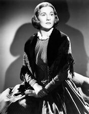Joan Fontaine UNSIGNED photo - C189 - Jane Eyre