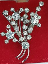 GORGEOUS VINTAGE JEWELERY MULTI FACETED GLASS RHINESTONE FLOWER BROOCH SHAWL PIN
