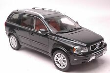 Volvo XC classic XC90 SUV model in scale 1:18 black blue