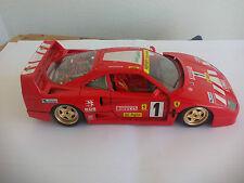 Ferrari F40 1987 Burago. Comil nº 1. COCHE DE METAL ESCALA 1:18