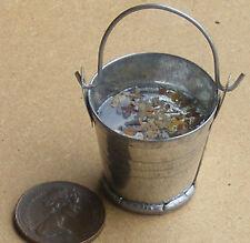 SCALA 1:12 grandi in metallo secchio di acqua piovana Casa delle Bambole Miniatura Accessorio Gal