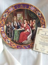 BNIB Royal Doulton  QUEEN ANNE SIGNING THE ACT OF UNION  KINGS AND QUEENS PLATE