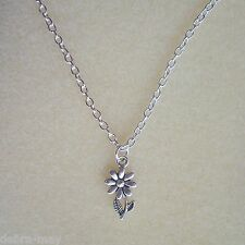 Pretty Daisy Flower Pendant Silver Plated Chain Necklace in Gift Bag