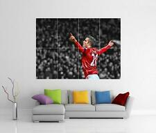 ROBIN VAN PERSIE RVP MAN UNITED MANCHESTER GIANT WALL ART PHOTO PRINT POSTER