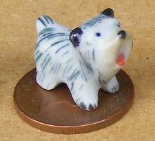 1:12 Casa de muñecas en miniatura Pequeño Blanco Y Negro De Cerámica Adorno Cachorro Perro F