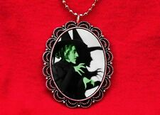 WICKED WITCH GREEN VINTAGE HALLOWEEN PENDANT NECKLACE WICCA