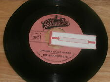 SHANGRI-LAS~GIVE HIM A GREAT BIG KISS/TWIST....~Unplayed Pop 45~Jukebox Re-issue