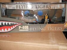 1/18 ULTIMATE SOLDIER U.S. WWII P-40B FLYING TIGERS EXTREMELY RARE PILOT ADDED