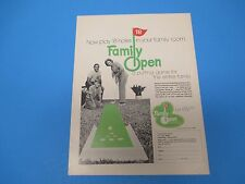 1971 Now play 18 holes, Family Open a putting game for the entire family, PA009