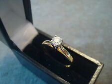 LADIES .750 18CT YELLOW GOLD DIAMOND .025ct RING 2.8g SIZE J 1/2 BOXED REF 0778